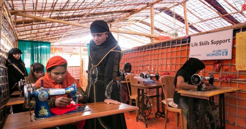 Women train to be tailors at a UN Women-supported Action Aid Women Friendly Space in Balukhali Rohingya Refugee camp February 1, 2018, in Chittagong district, Bangladesh. Photo: UN Women/Allison Joyce